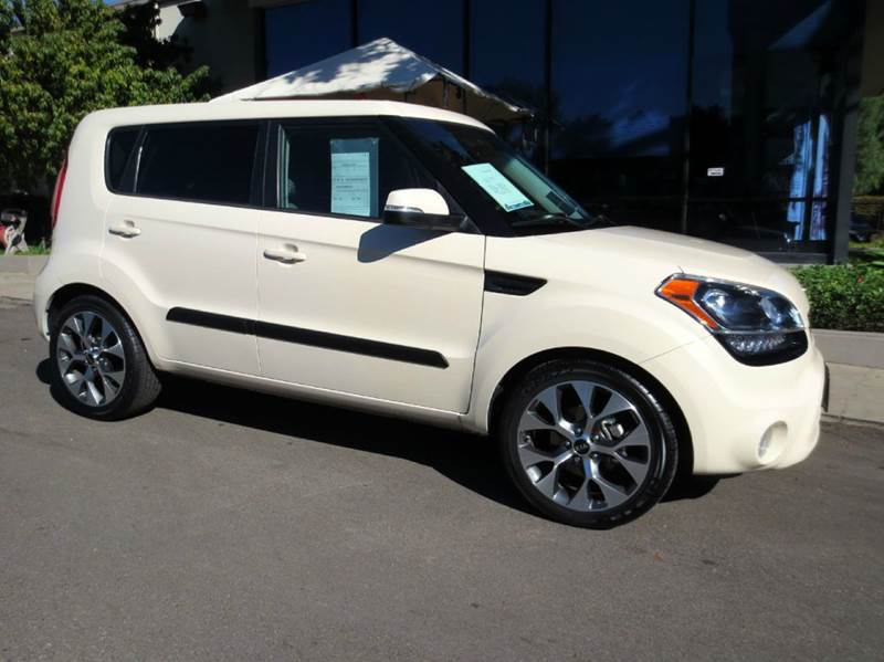 2012 KIA SOUL  4DR WAGON dune  1 owner carfax certified wservice records  28 mpg loaded w