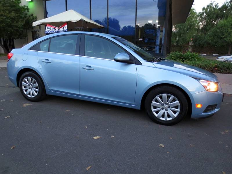 2011 CHEVROLET CRUZE LT 4DR SEDAN W1LT ice blue metalic  nicely equipped 1lt with connectivity