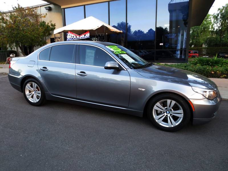 2010 BMW 5 SERIES 528I 4DR SEDAN gray  extra clean nicely equipped local car garaged  well m
