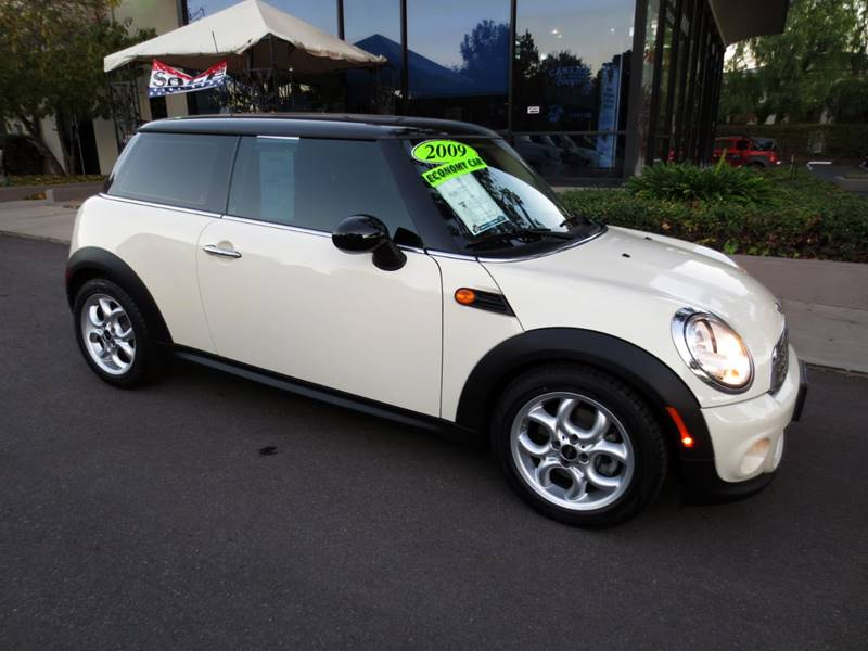2011 MINI COOPER BASE 2DR HATCHBACK pepper white one owner clean carfax non smoker with sport sea