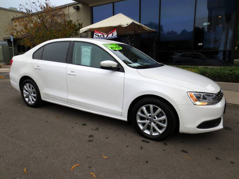 2012 VOLKSWAGEN JETTA SE PZEV 4DR SEDAN 6A white   jetta se automatic nicely equipped wleath