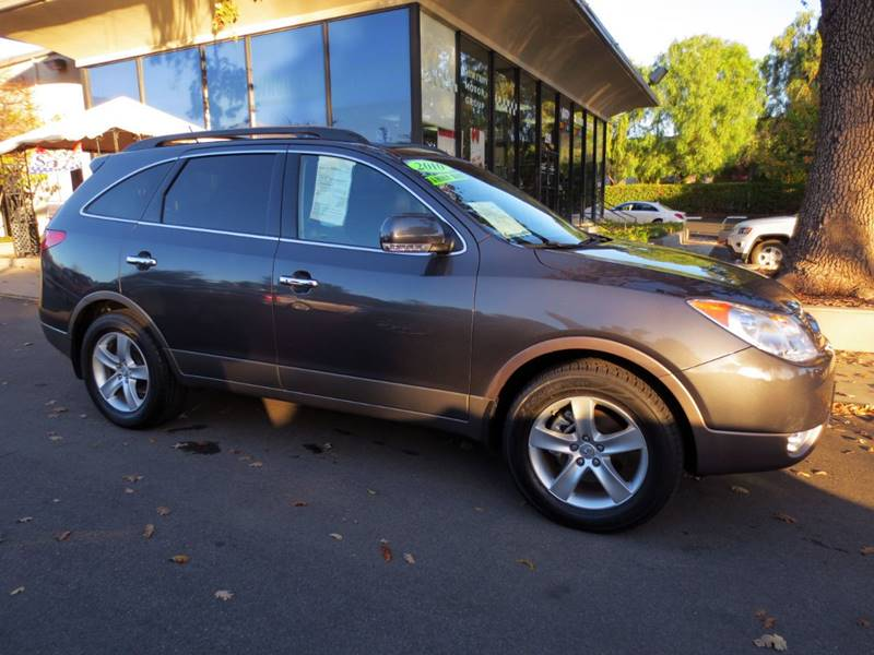 2010 HYUNDAI VERACRUZ LIMITED 4DR CROSSOVER charcoal  like new 1 owner vehicle was garaged