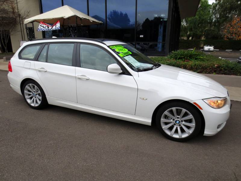 2012 BMW 3 SERIES 328I 4DR WAGON white a rare find  nicely equipped with navigation premium pk