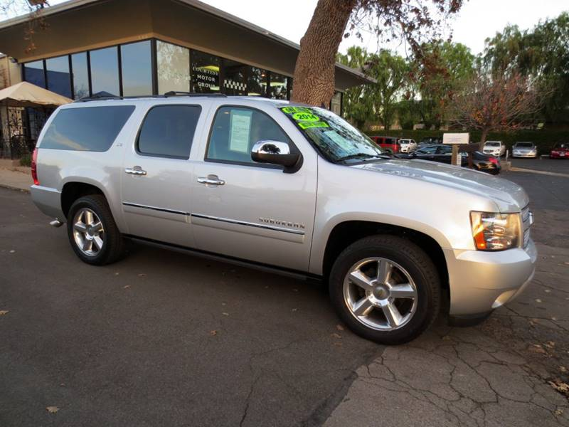 2014 CHEVROLET SUBURBAN LTZ 1500 4X2 4DR SUV silver  only 29000 miles under full factory warr