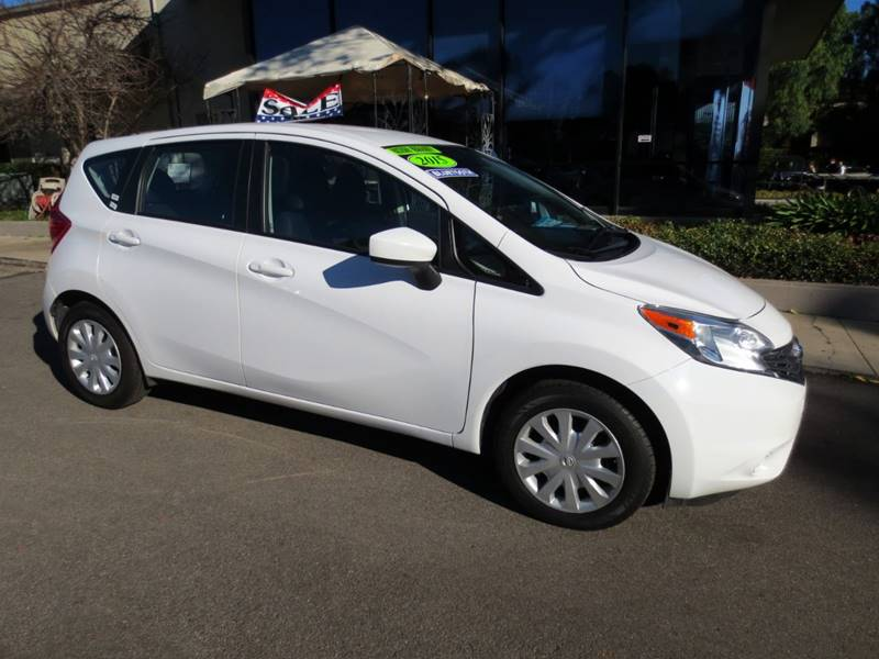 2015 NISSAN VERSA NOTE SV 4DR HATCHBACK white  economy car 40 mpg nicely equipped wbluetooth