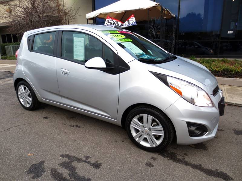 2015 CHEVROLET SPARK 1LT CVT 4DR HATCHBACK silver  gets 39 mpg highway  remainder of factory w
