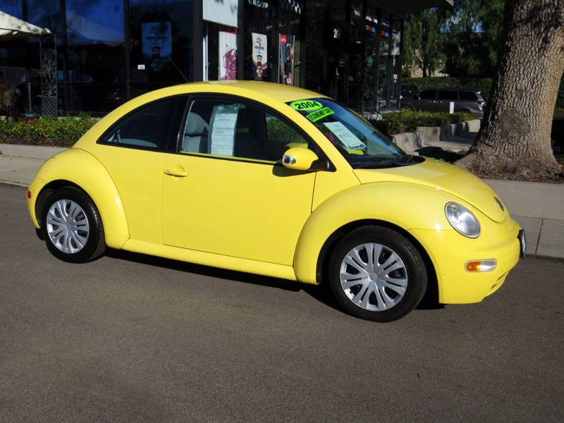 2004 VOLKSWAGEN NEW BEETLE GL 2DR HATCHBACK yellow  beetle gl in great condition inside  out
