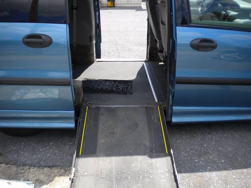 2003 Ford Windstar LX Standard 4dr Mini-Van - Waynesboro VA