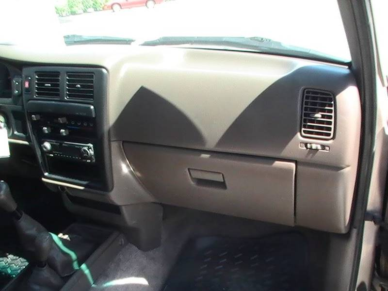 1997 Toyota Tacoma 2dr 4WD Standard Cab SB - Bonner Springs KS