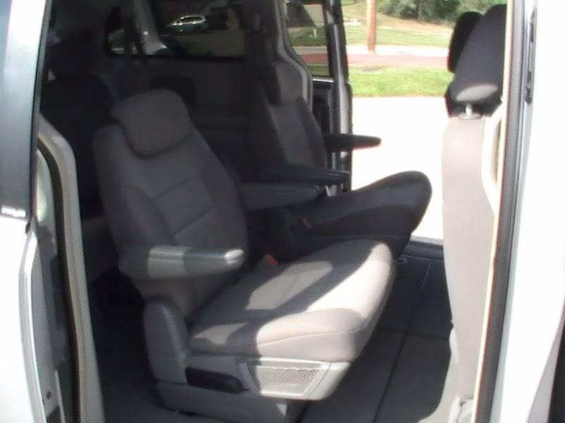 2010 Chrysler Town and Country Touring 4dr Mini-Van - Bonner Springs KS
