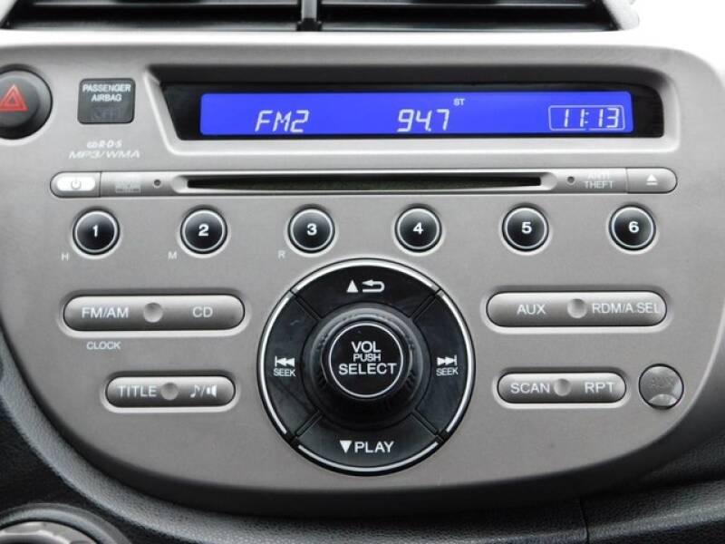 2013 Honda Fit (image 17)