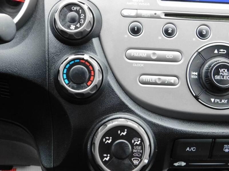 2013 Honda Fit (image 18)