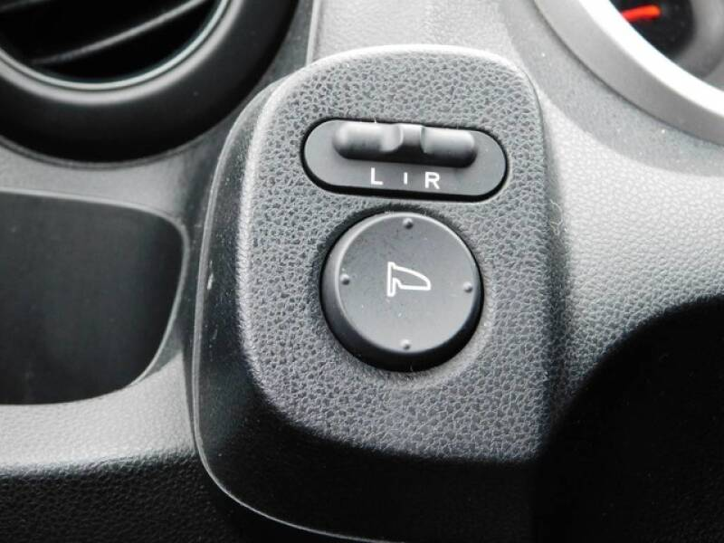 2013 Honda Fit (image 15)