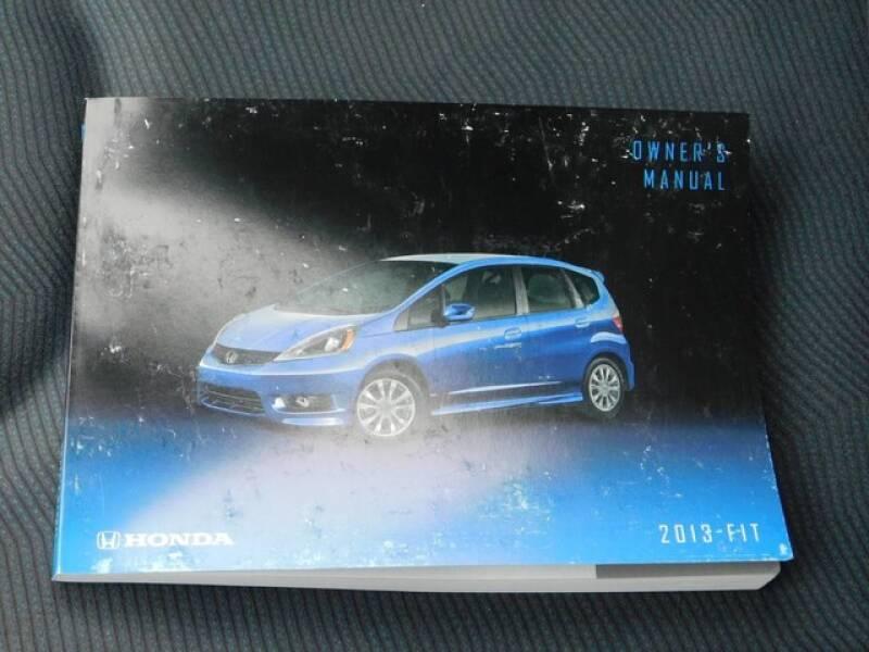 2013 Honda Fit (image 25)