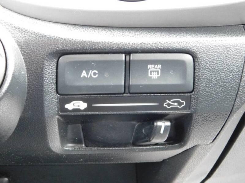 2013 Honda Fit (image 19)