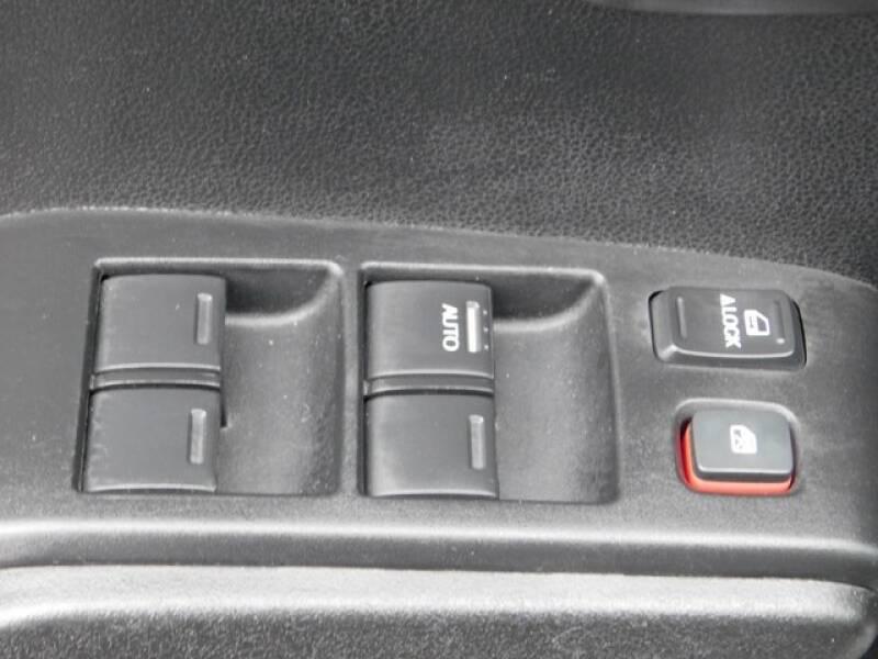 2013 Honda Fit (image 21)