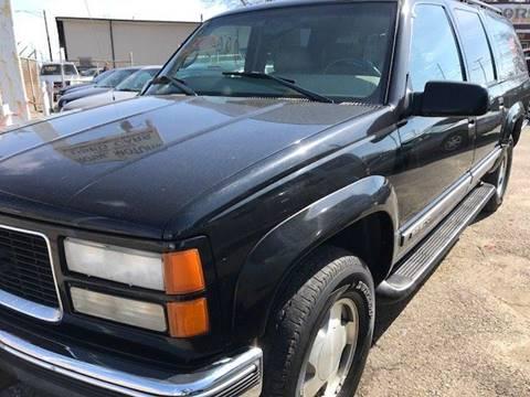 1998 GMC Suburban for sale in Warren, MI