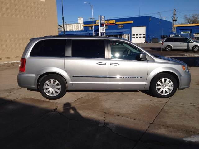 2016 Chrysler Town and Country Touring 4dr Mini-Van - North Platte NE