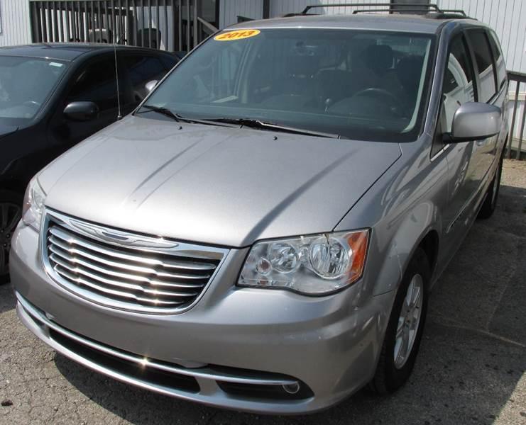 2013 Chrysler Town And Country Touring 4dr Mini Van   Lexington KY
