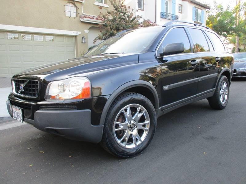 2005 Volvo XC90 for sale at Valley Coach Co Sales & Lsng in Van Nuys CA
