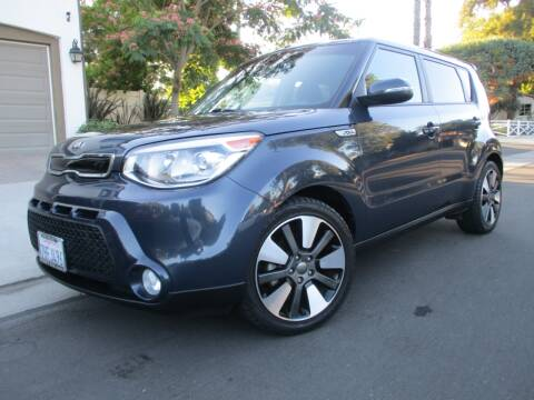 2015 Kia Soul for sale at Valley Coach Co Sales & Lsng in Van Nuys CA