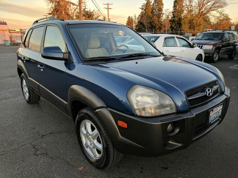 2005 hyundai tucson 4dr gls 4wd suv in lakewood wa lg. Black Bedroom Furniture Sets. Home Design Ideas