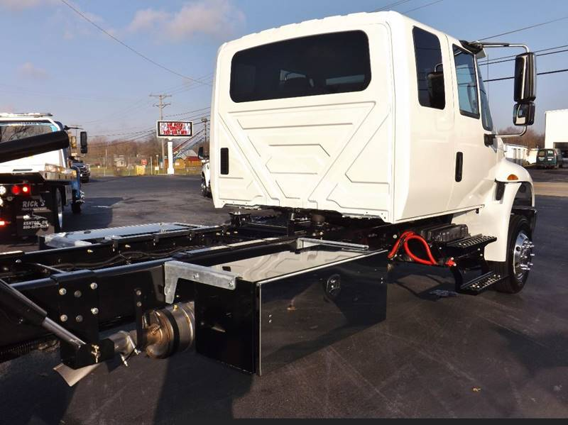 2017 International 4300 Ext. Cab Rollback  Reduced $2000!! - Kenton OH
