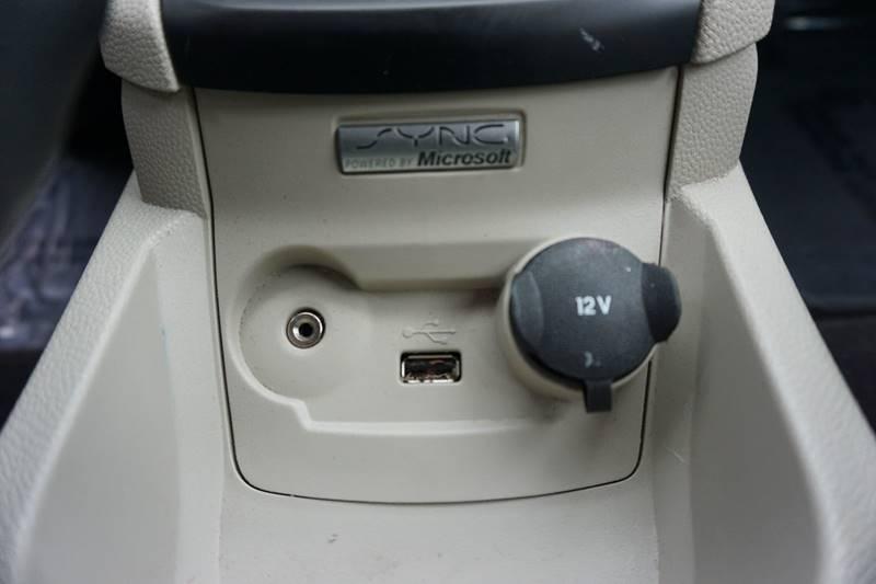 2012 Ford Fiesta SE 4dr Hatchback - Kenton OH