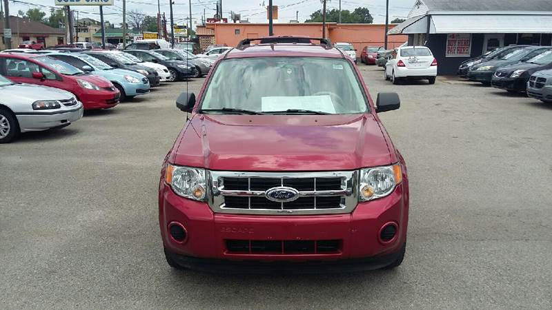 The 2009 Ford Escape XLS
