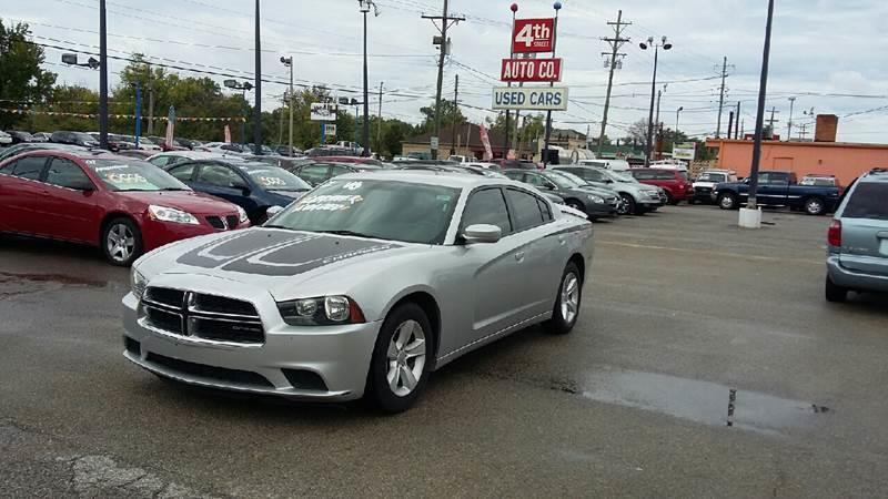 The 2012 Dodge Charger SE photos