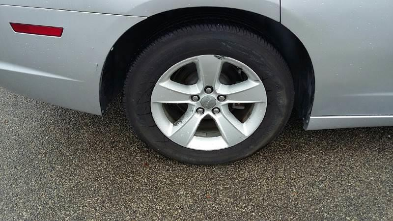 2012 Dodge Charger SE photo