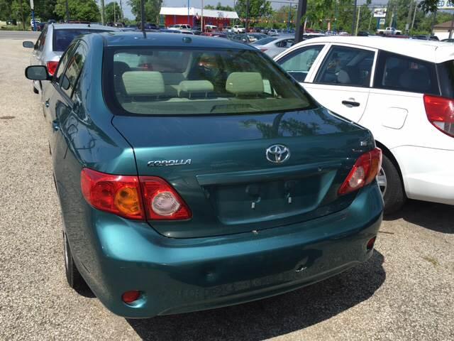 2009 Toyota Corolla LE photo