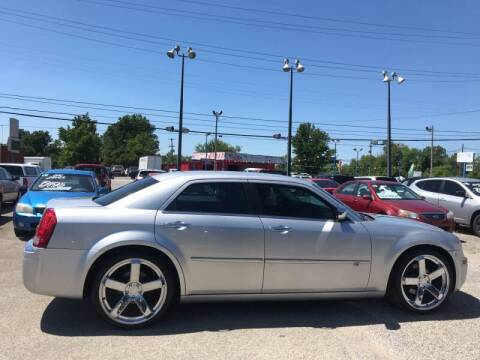 2009 Chrysler 300 for sale at 4th Street Auto in Louisville KY