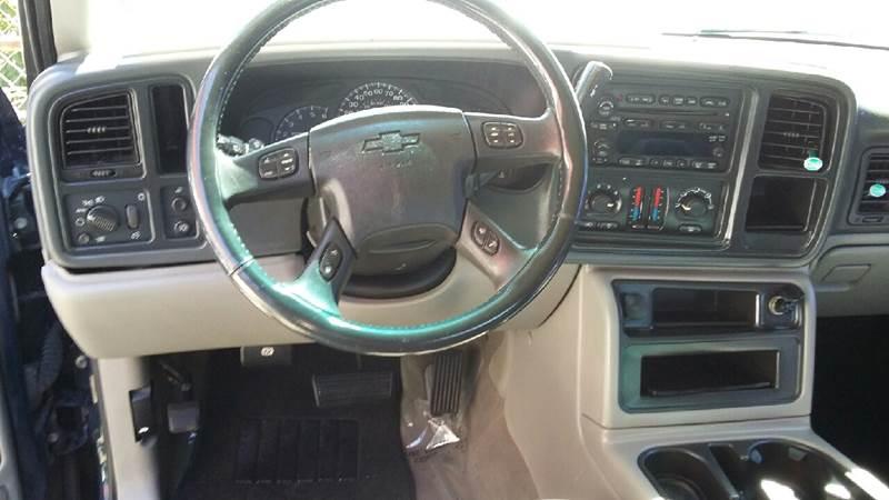 2005 Chevrolet Avalanche 1500 LS photo