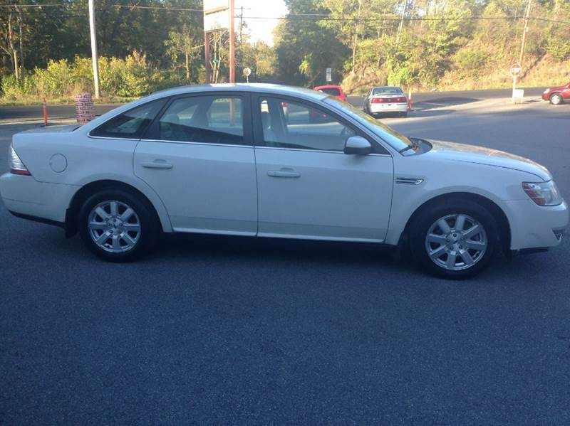 2009 Ford Taurus for sale at Lee Miller Used Cars & Trucks inc. in Germansville PA