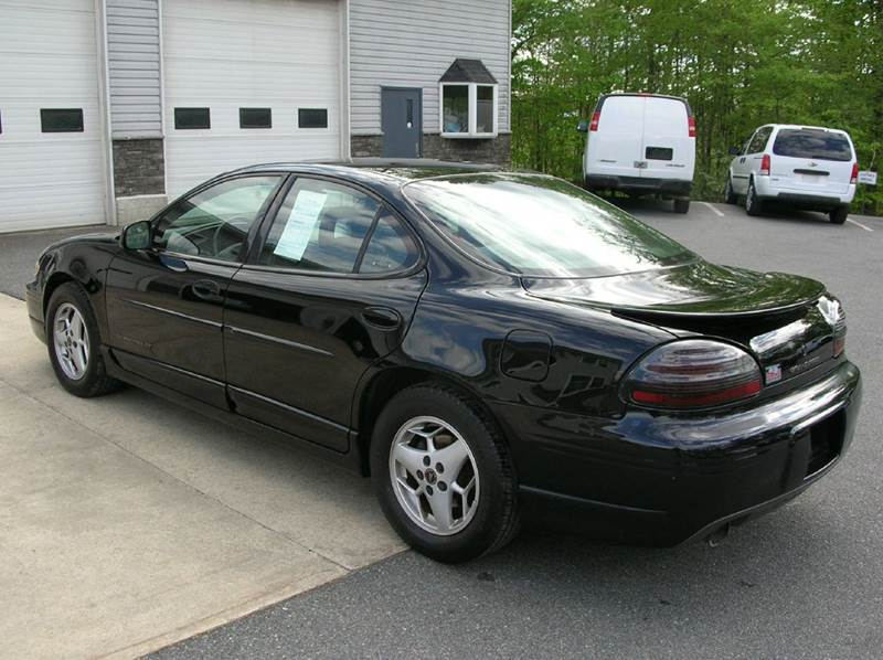 2002 Pontiac Grand Prix for sale at Lee Miller Used Cars & Trucks inc. in Germansville PA