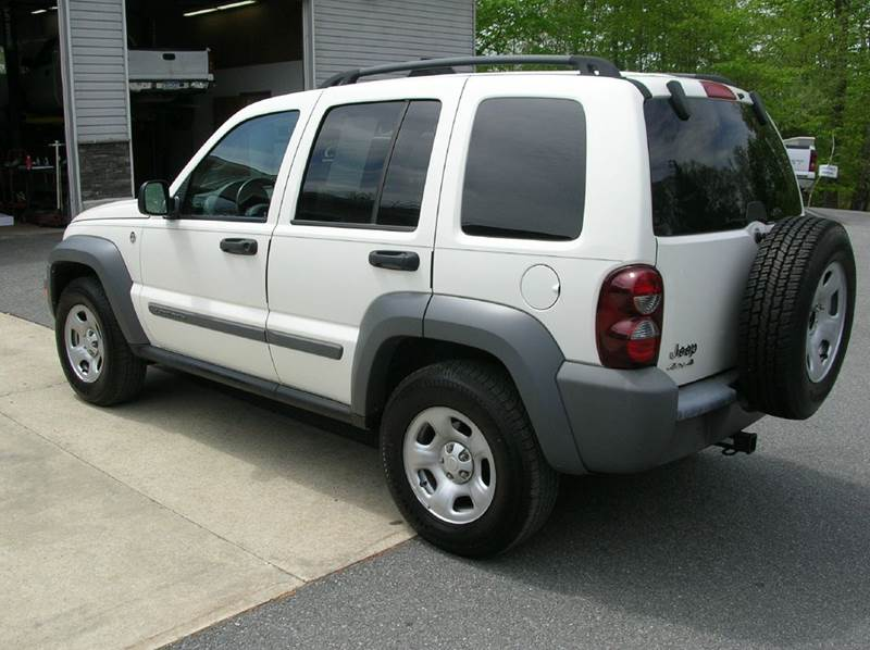 2005 Jeep Liberty for sale at Lee Miller Used Cars & Trucks Inc. in Germansville PA