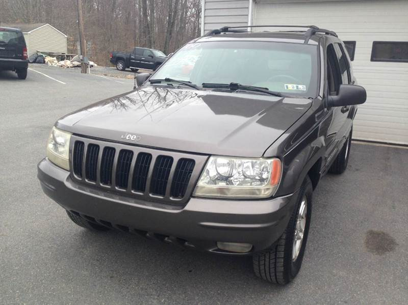 2000 Jeep Grand Cherokee for sale at Lee Miller Used Cars & Trucks inc. in Germansville PA
