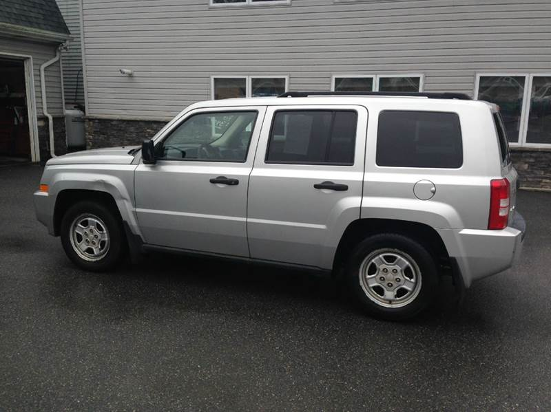 2007 Jeep Patriot for sale at Lee Miller Used Cars & Trucks inc. in Germansville PA