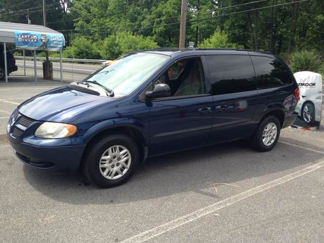 2003 Dodge Grand Caravan for sale at Lee Miller Used Cars & Trucks Inc. in Germansville PA