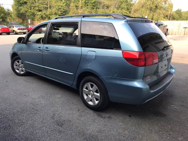 2004 Toyota Sienna for sale at Lee Miller Used Cars & Trucks Inc. in Germansville PA