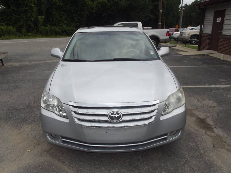 2005 Toyota Avalon XL 4dr Sedan - Little Rock AR