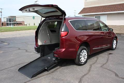 2018 Chrysler Pacifica for sale in Jackson, MI