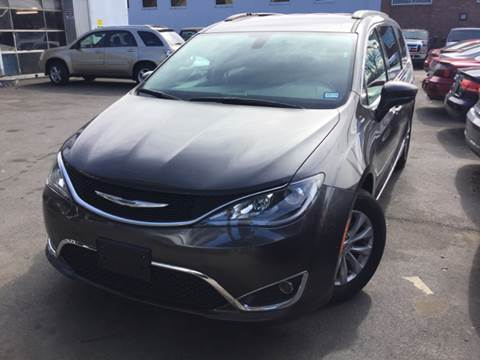 2017 Chrysler Pacifica for sale at Olsi Auto Sales in Worcester MA