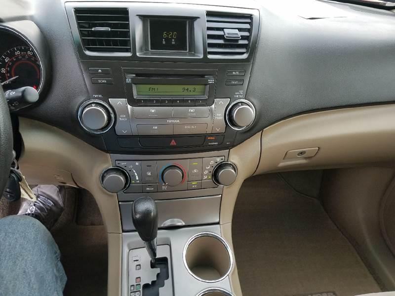 2009 Toyota Highlander 4dr SUV (2.7L) - Covina CA