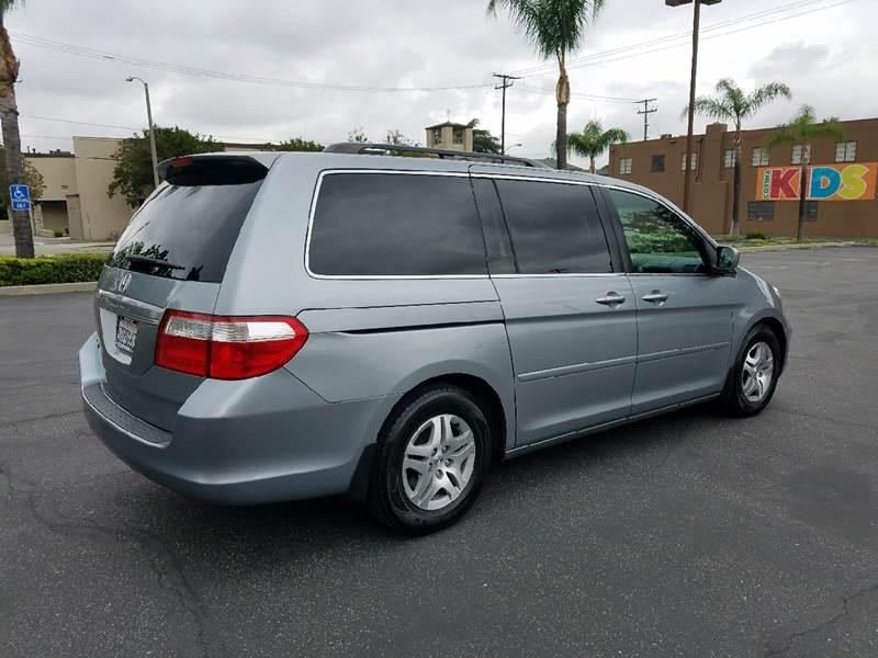 2006 Honda Odyssey EX-L 4dr Mini-Van w/DVD - Covina CA