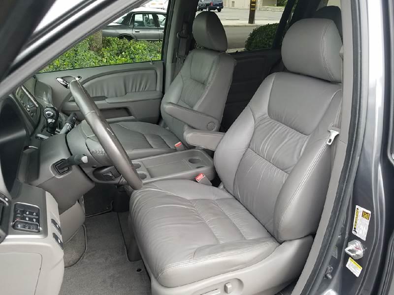 2010 Honda Odyssey EX-L 4dr Mini-Van w/DVD and Navi - Covina CA