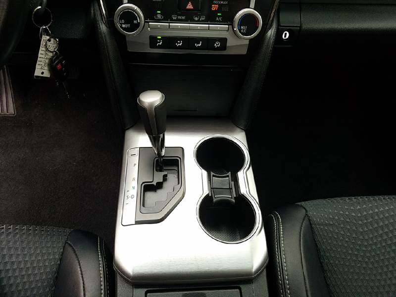 2014 Toyota Camry SE 4dr Sedan - Covina CA
