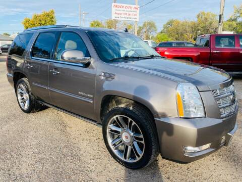 2012 Cadillac Escalade for sale at Truck City Inc in Des Moines IA