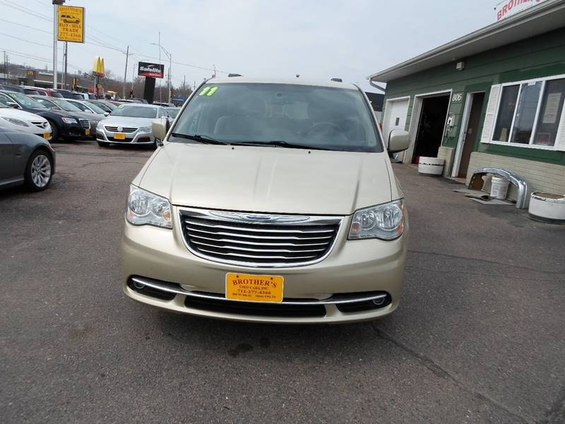 2011 Chrysler Town And Country Touring 4dr Mini-Van In Sioux City IA ...